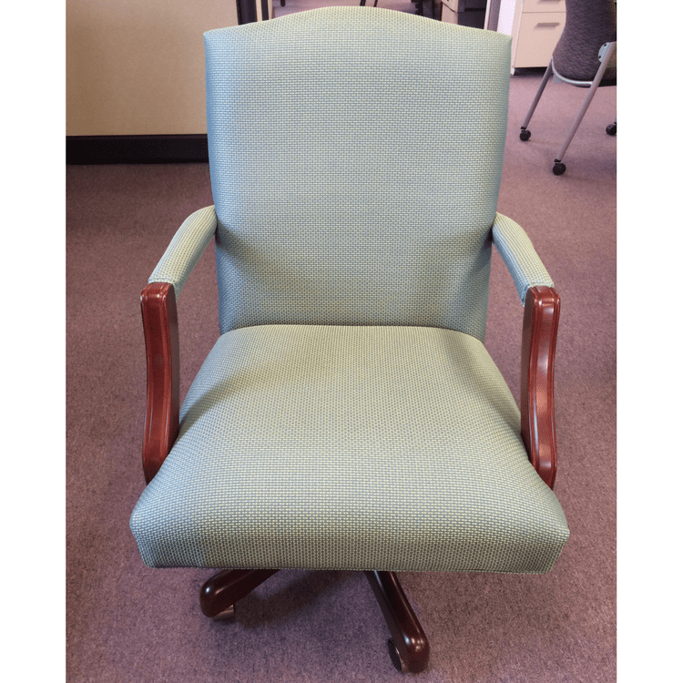 Legacy Swivel Chair